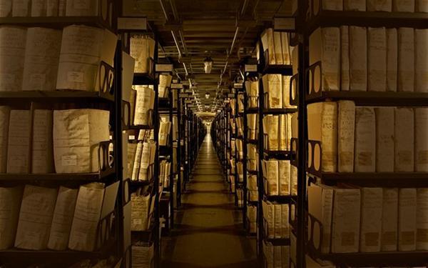 fumigacja dezynsekcja archiwaliów